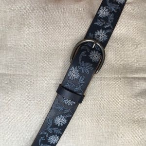 Lucky Brand Blue Embroidered Belt